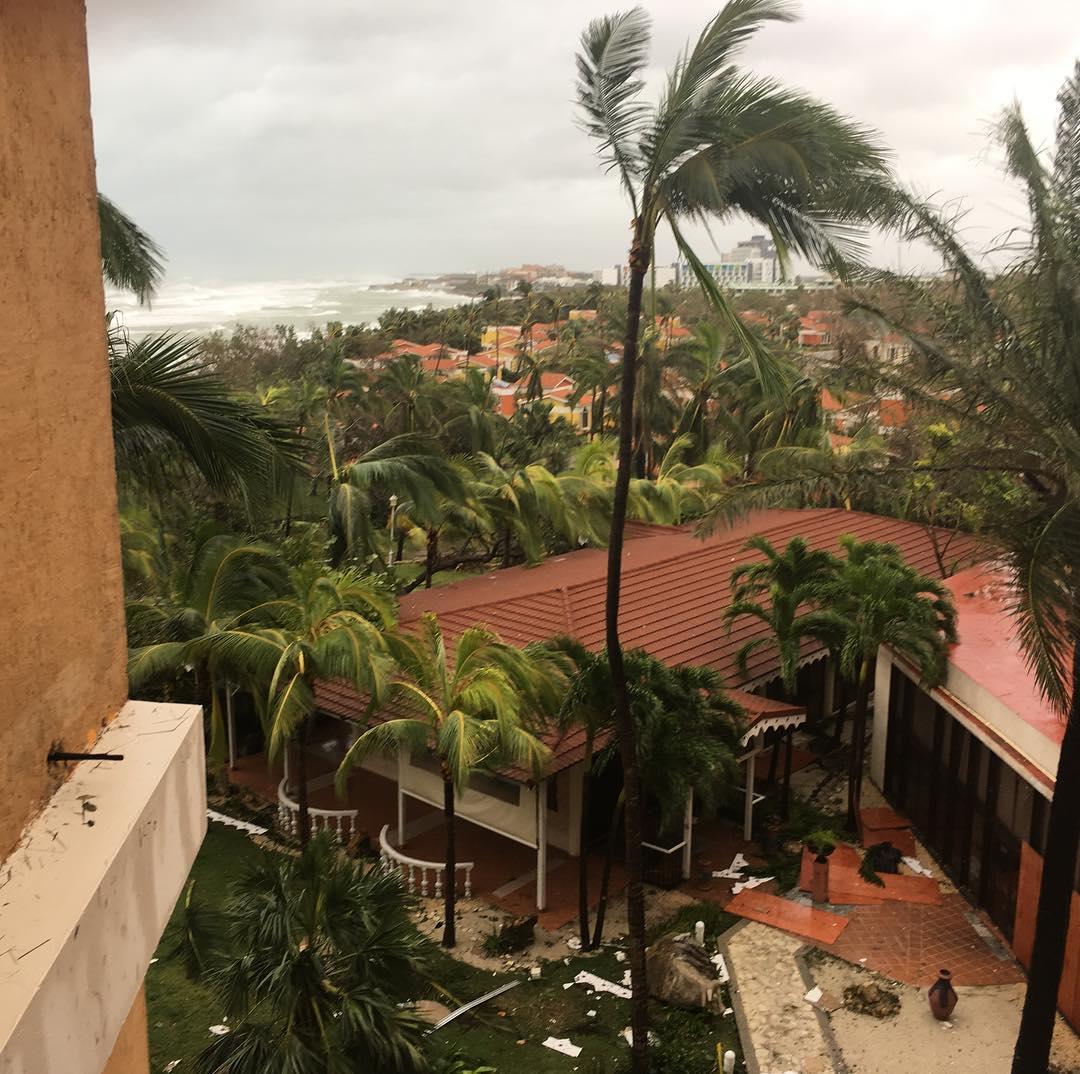 El huracán Irma desbastó Cuba y va hacia Miami