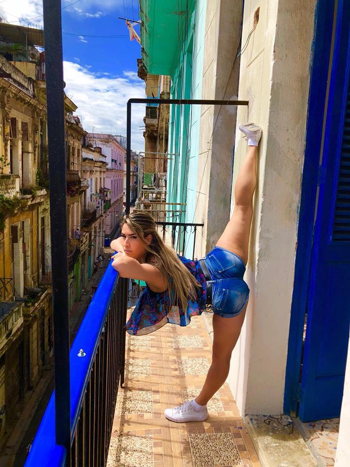 Las impresionantes fotos de una bailarina cubana por La Habana
