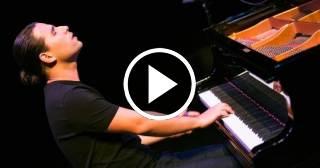 """Alfredo Rodríguez Jr. celebra los 100 años de Thelonius Monk interpretando """"Ruby, My Dear"""""""