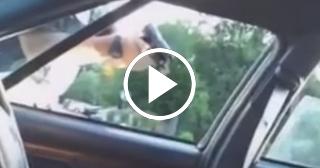 Dramático momento en que la hija de Philando Castile, asesinado por la policía, consuela a su madre