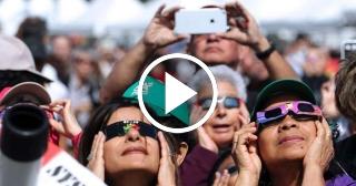 Una interminable caravana de vehículos se dirigen a Oregon, el mejor lugar para ver el eclipse solar
