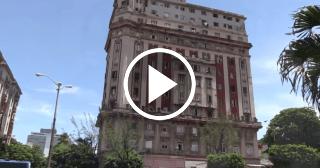El edificio de los suicidios en La Habana