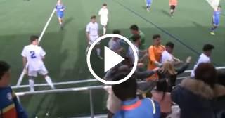 Otra vergüenza en el fútbol juvenil: Pelea entre jugadores y aficionados