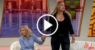 Señorita Dayana abandona un programa de televisión en Miami cuando le hablan de política