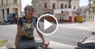 Las mujeres empiezan a incorporarse a la práctica del skate en Cuba