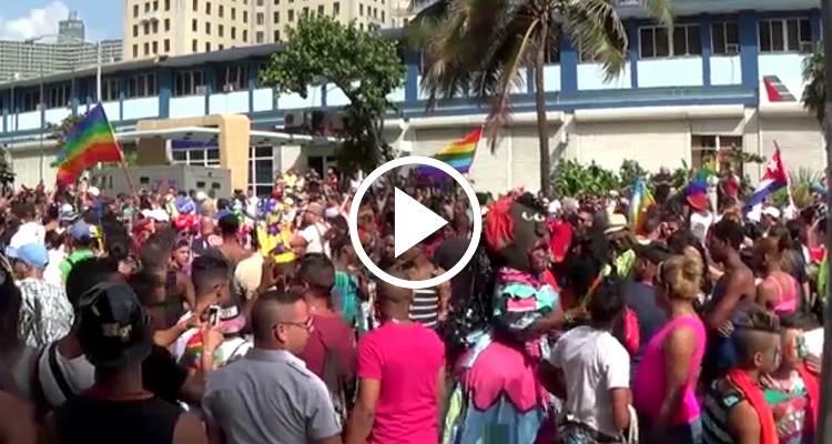 Homosexuales cubanos luchan por insertar el matrimonio gay en la Constitución de la Isla