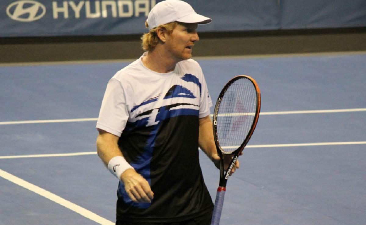 Ex número uno del tenis mundial, Jim Courier, se encuentra de visita en Cuba para reinagurar canchas de tenis