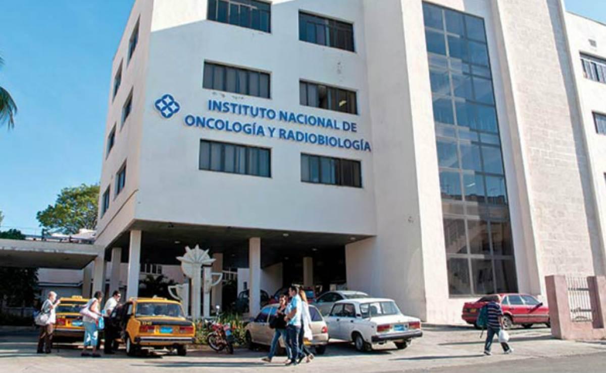 Resultado de imagen de Cuba desarrolla más de 40 proyectos de investigación y 27 ensayos clínicos contra el cáncer