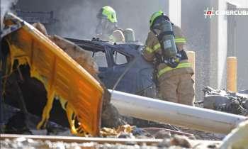 Australia: Cinco personas mueren al estrellarse un avión contra un centro comercial