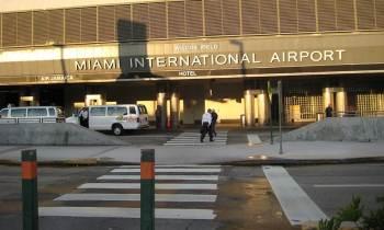 Acusan a un policía de traficar armas desde aeropuerto de Miami hacia República Dominicana