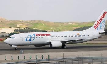 Avión de Air Europa regresaal aeropuerto de Miami tras ser impactado porun rayo