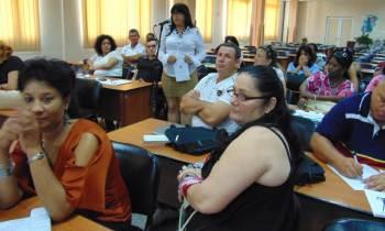 Diez personajes que no pueden faltar en una reunión en Cuba