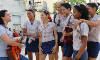 Cuba reabre la especialidad de instructores de arte después de años sin ofertar plazas