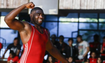 Cubano Oscar Pino gana medalla de bronce en Mundial de Luchas