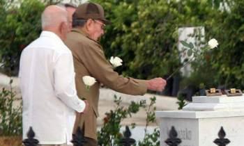 Céspedes y Mariana Grajales ya están enterrados junto a Martí y Fidel
