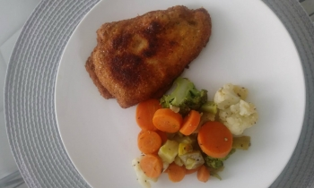Pechuga de pollo rellena con queso crema y espinacas