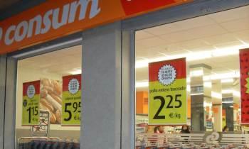 """Supermercados """"Consum"""" donan 30 mil euros a Cruz Roja para ayudar a damnificados por Irma en Cuba"""