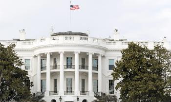 Comisión de EE.UU pide información a la Casa Blanca sobre el uso de cuentas privadas para asuntos gubernamentales