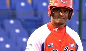 Yosvani Alarcón dispara cuadrangular en séptima victoria consecutiva de Cuba en Can-Am