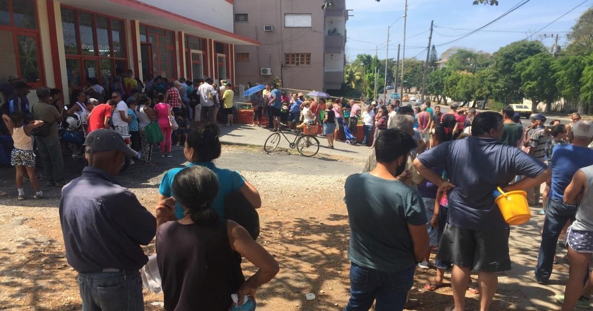 Brasil - Venezuela crisis economica - Página 30 1552479906-asi-son-colas-comprar-huevos-playa-vedado