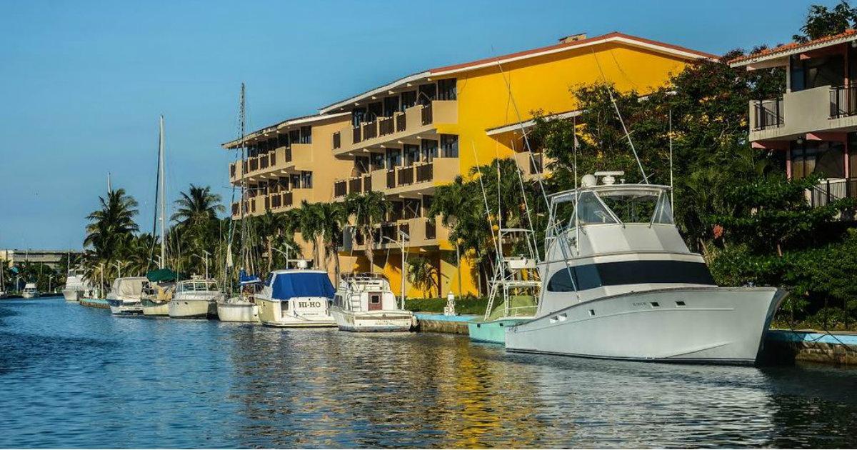 Havannas Marina Hemmingway | Bildquelle: https://www.cibercuba.com/noticias/2020-11-24-u1-e129488-s27061-reabre-marina-hemingway-embarcaciones-extranjeras-recreo © Cibercuba | Bilder sind in der Regel urheberrechtlich geschützt